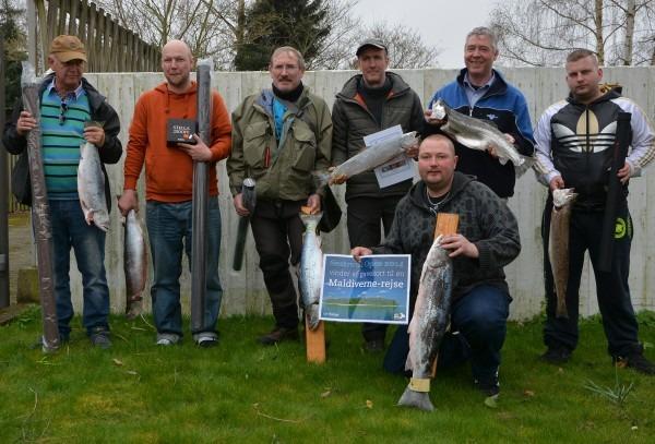 Seatrout open, STO, fiskekonkurrence. De stolte vinderne med deres flotte fisk og Præmier..