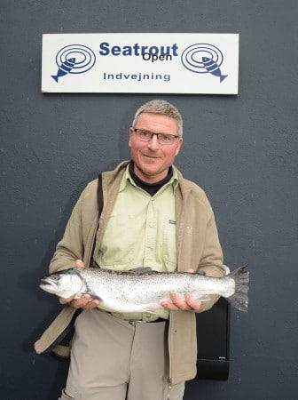 Torben Nielsen Havørred på 2,00 kg. og 58 cm. Fanget på Flue i Fjorden