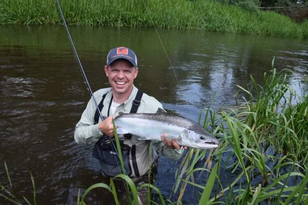 laks skjern å niklas go fishing